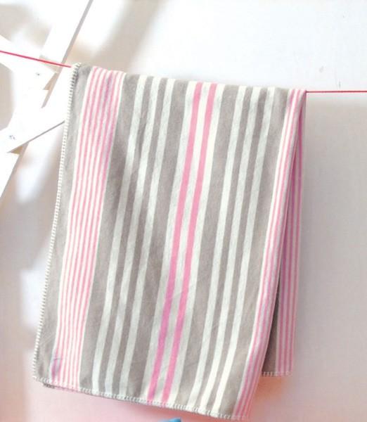 David Fussenegger - Kinderdecke Streifen rosa