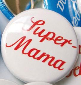 Krima & Isa - Button Super Mama
