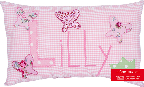 crepes suzette kissen mit name lilly rosa schmetterlinge baby and friends. Black Bedroom Furniture Sets. Home Design Ideas