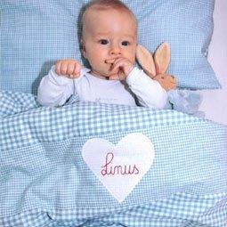 babydecke mit namen kaufen ber 30 s e kuscheldecken entdecken. Black Bedroom Furniture Sets. Home Design Ideas