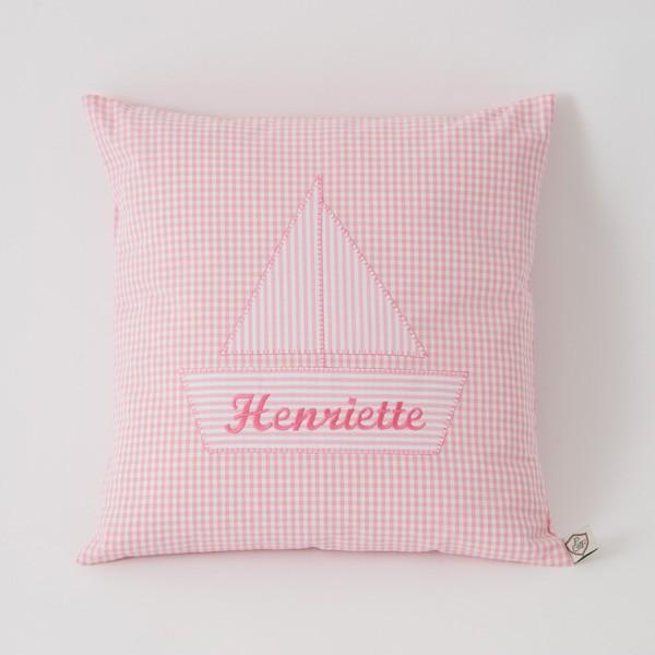 Kuschelkissen mit Namen Boot rosa von Paula & Ferdinand